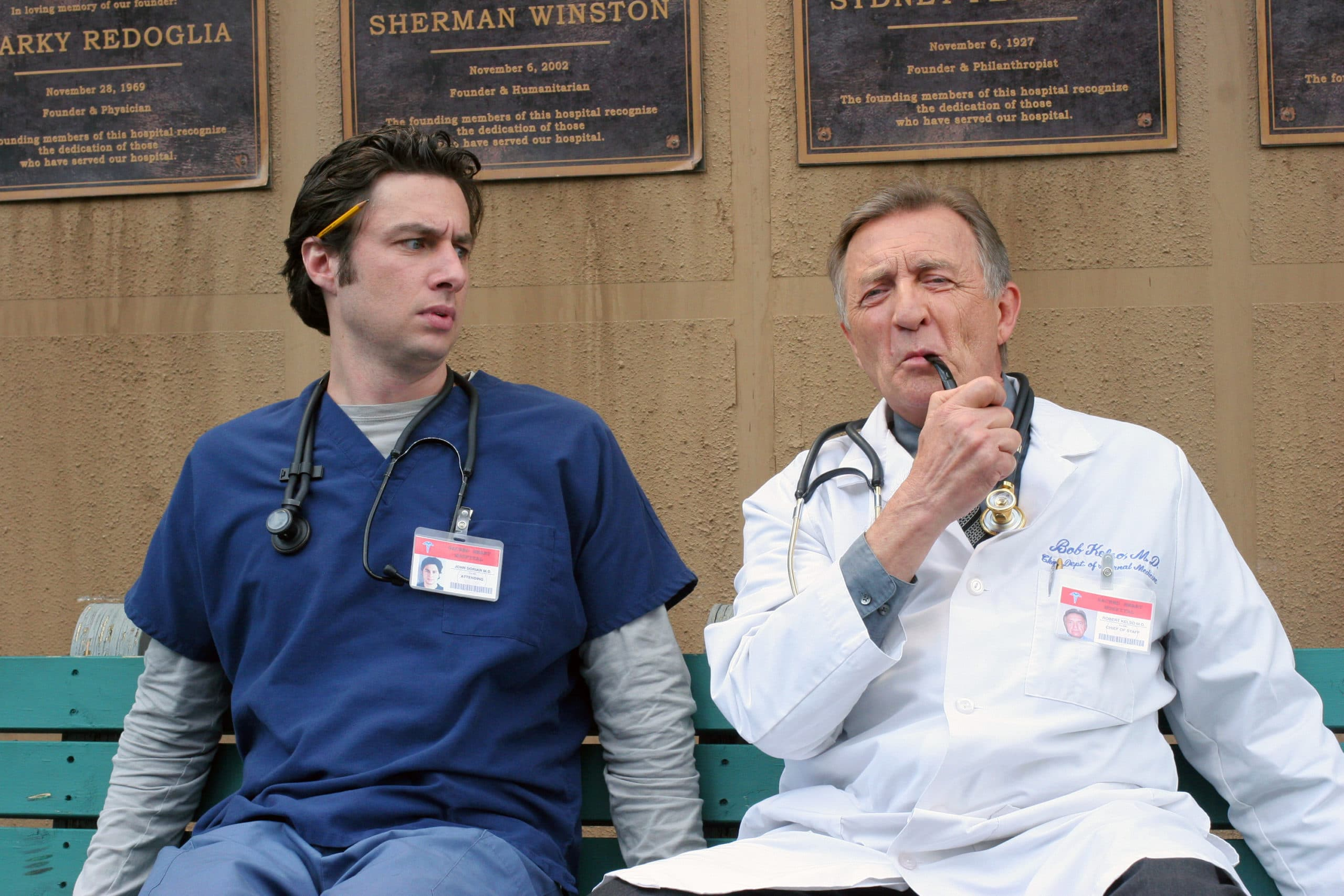 Scrubs JD und Kelso Pic: (l-r) Zach Braff, Ken Jenkins Photo: Michael Ansell ©Touchstone Television. All Rights Reserved